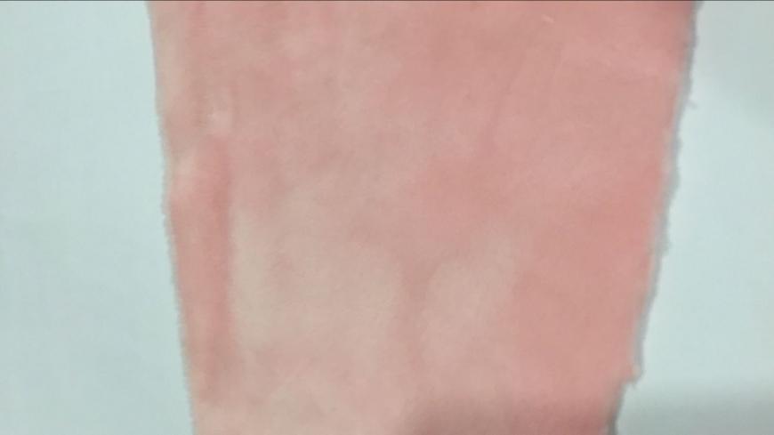 超柔短毛绒,2毛高,颜色类似于潘东色号699C.