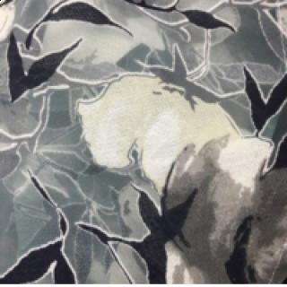 花型要一模一样的,底布为绿色