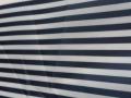 210t或者290t涤丝纺都可以,条宽要求0.8--1.2厘米之间,条纹颜色藏青加白色,要求不掉色